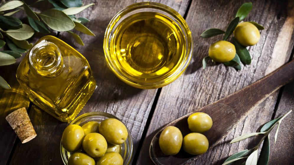 AOVE. Aceite oliva vitgen extra y sus aceitunas originales