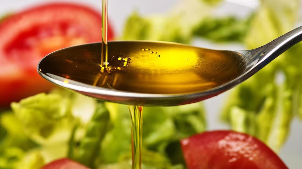 Aceite oliva extra virgen ensalada cucharada de salud