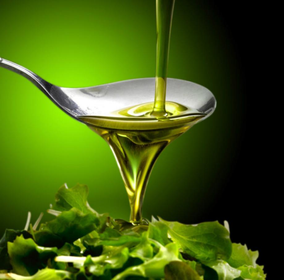 AOVE utilizado para ensaladas y condimentación